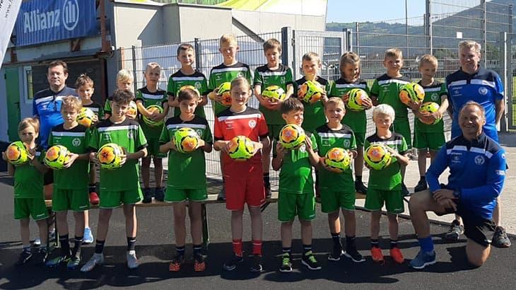 UVK unterstützt Nachwuchscamp des SV Grün-Weiss Micheldorf mit Sponsoren