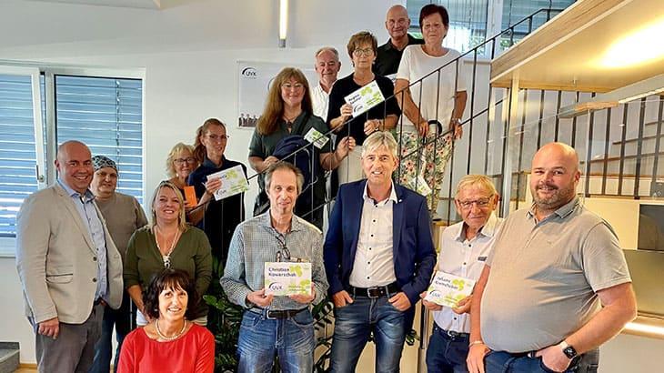 Preisträger des UVK Gewinnspiels Gewinnübergabe in der UVK Geschäftsstelle
